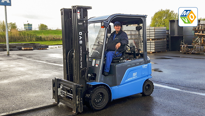 CSR: Electric BYD forklift truck